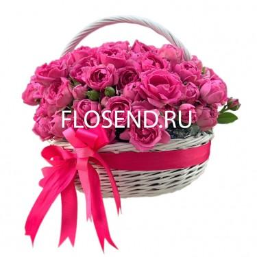 25 розовых пион в корзине